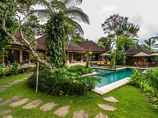 Main villa pool