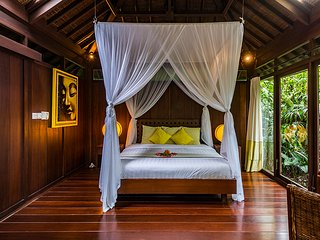 Heaven in Bali - Yellow Orchid Room