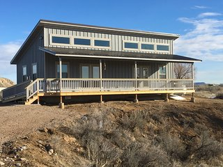 2 Sunny Efficiency Cabins and 2 RV sites - Cabins 1 and 2 Joined, Thermopolis
