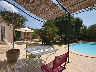 4 bedroom Villa in Poulx, Languedoc roussillon, Gard, France : ref 2042362