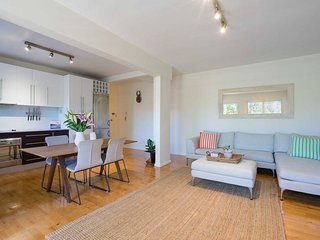 Stylish and Spacious Coogee Beach apartment