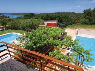 4 bedroom Villa in Banjole, Istria, Croatia : ref 2088603