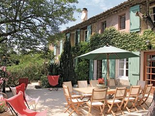 5 bedroom Villa in Mondragon, Provence drOme ardEche, Vaucluse, France : ref 2089685