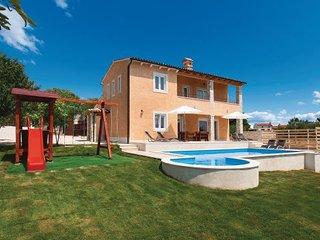 4 bedroom Villa in Svetvincenat-Bricanci, Istria, Croatia : ref 2095440