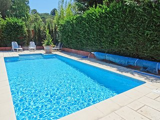 3 bedroom Villa in Cogolin, Provence-Alpes-Côte d'Azur, France : ref 5051537