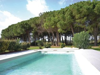 4 bedroom Villa in Saint Laurent D ´Aigouze, Gard, France : ref 2279181
