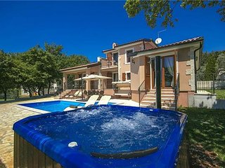 4 bedroom Villa in Fuskulin, Istria, Fuskulin, Croatia : ref 2372799, Mugeba