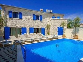 4 bedroom Villa in Kruncici, Istria, Kruncici, Croatia : ref 2373259