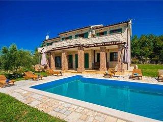 4 bedroom Villa in Strpancici, Istria, Strpacici, Croatia : ref 2374134, Barat
