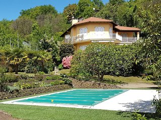 Italian Lakes 4 bedroom villa with private heated pool. Sleeps 10. WIFI. BBQ., Luino
