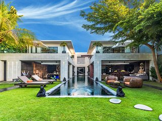 Modern large 5 Bed. Ultimate Luxury, fully staffed in prestigious Oberoi