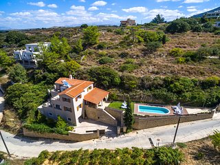 New Villa, with Great view close to Rethymno, Rethymnon