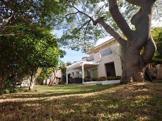 Luxury Villa in San Eugenio