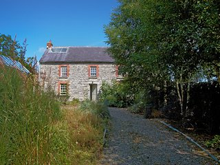 BALLILOGUE STONE HAMLET, BALLILOGUE, THE ROWER, INISTIOGE, CO. KILKENNY, IRELAND, Ballilogue