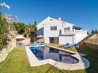 Marbella. Stylish, contemporary villa in Naranjos golf.. Near Puerto Bañus.