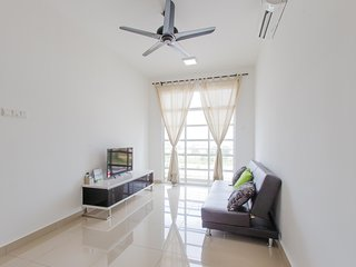 12stay.my Nusa Heights Apartment (3Bedroom) C0703