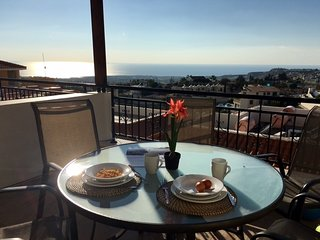 H4 -Executive Townhouse with Panoramic Sea Views, Peyia
