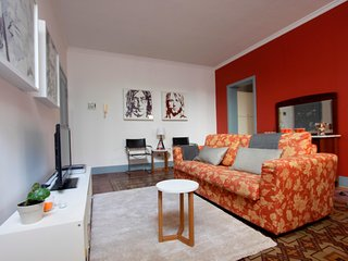 F18\HLUK Perfect location and 2 terraces cosy flat, Catania