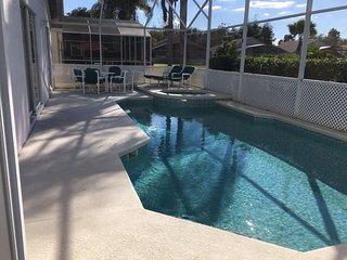 Executive Davenport Villa with South Facing Pool, Games Room & WiFi, Orlando
