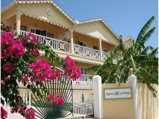 Beachside 2 Bedroom Apartment - Agave Landings, holiday rental in Crab Hill