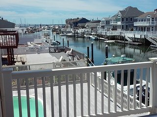 Single home on the most beautiful spot, 5 min. to OC boardwalk, bring your boat!, Longport