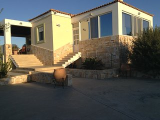 Country House Villa 3.5km from Kos Town perfect for families and large groups, Ciudad de Cos