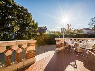 Charming 3 bed. Renovated Hotel w/ Terrace & Garden - Biarritz centre