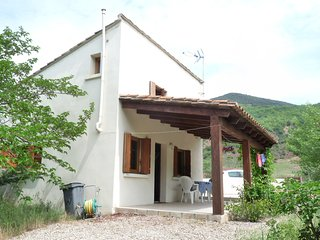 Le Pigeonnaire, independent house with heated pool in rural setting