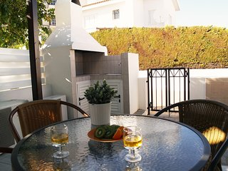 Kalamies Beach Villa DPSA04-Two Bed Townhouse-WiFi-BBQ-Few steps from the beach