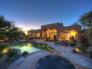 Private Boulders Luxury Home - pool, hot tub