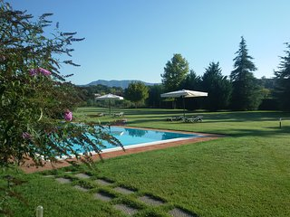 'Encantea' .. lovely country house, apartment 'Timo' at just 2 km from Lucca