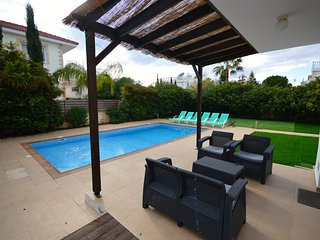 Impressive 4 bed villa w/pool Nissi Beach Cyprus