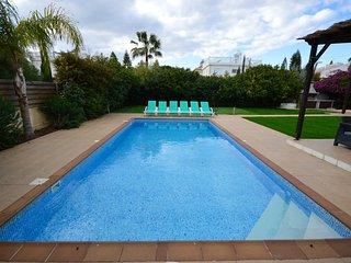 Impressive 4 bed villa w/pool Nissi Beach Cyprus
