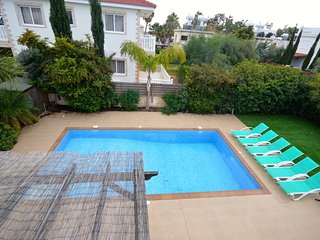 Nissi beach, 4 bedroom villa private pool & garden, Ayia Napa