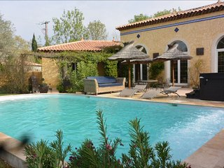 South of France - Beautiful house 4 bedrooms with private pool and spa