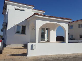 Brand New 3Bed Villa, SeaViews, Pool,WIFI, 2min to Water Park 5min to Ayia Napa.
