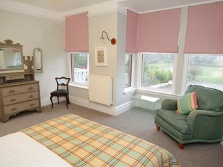 The Town House, Mumbles, a period property close to beaches & the village