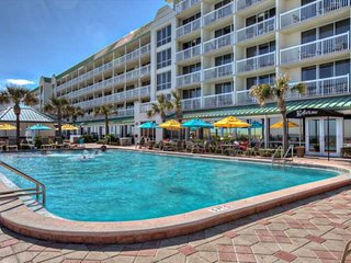 Spacious-Clean, 1-Bdrm, 8th Floor Suite at Ocean Front Daytona Bch