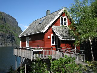 Fretheim Fjordhytter-cottages on the fjord in Flåm, Flam
