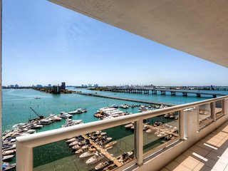 Elegant Waterfront 2BR Miami Condo - Great Location in the DoubleTree on Biscayne Bay! Just 10 Minutes from South Beach!
