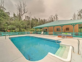 NEW! 2BR Pahoa House w/Private Pool & Hot Tub!