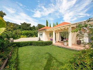 Milford Lakeside Villa