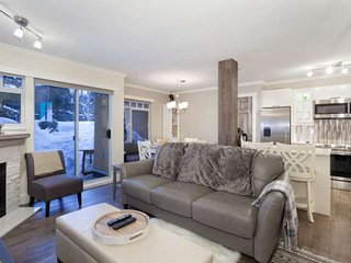 Stoney Creek Sunpath 1 Bedroom townhouse, Whistler