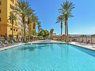 Elegant 2BR Las Vegas Condo w/Wifi, Balcony & Impressive View of The Strip