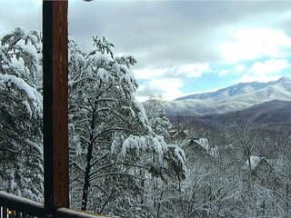 6 Bedrooms, 6 Bathrooms,Great Views, Near Gatlinburg, 3 Decks, Plenty of Parking