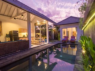 Great value central Location 3 bedrooms with pool, Seminyak