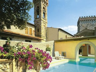 6 bedroom Villa in Rignano sull Arno, Florentine Hills, Arno Valley, Italy : ref 2135478, Pontassieve