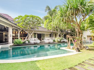 Stunning Villa in Heart of Seminyak, Kuta