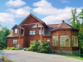 Majestic Manor a 5 Bedroom cabin., Sevierville