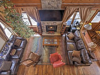 Low Spring Rates! Marvelous 4BR Fraser/Winter Park House w/Wifi, Private Hot Tub, Spectacular Views - Minutes to Skiing!